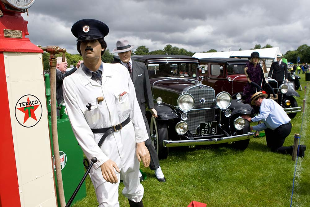 Vintage Car And Manequin Dublin